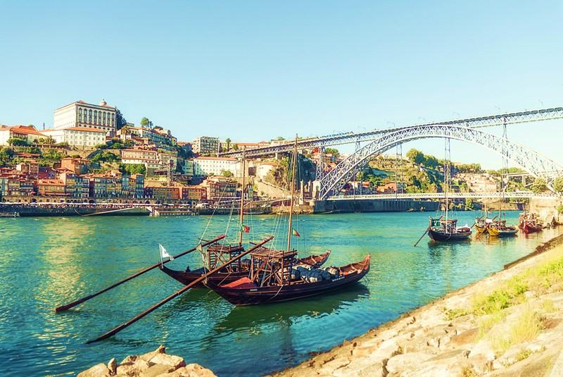 Norte de Portugal e Santiago de Compostela 2021/22 (S-5006)
