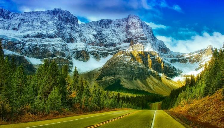 Canadá - Montanhas Rochosas com Three Valley Gap