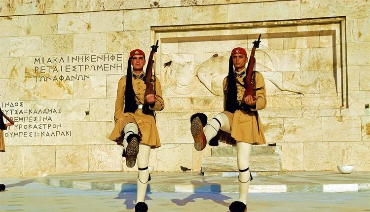 Escapada a Atenas (voos noturnos)
